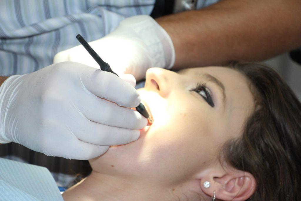 salud periodontal en verano periodoncia